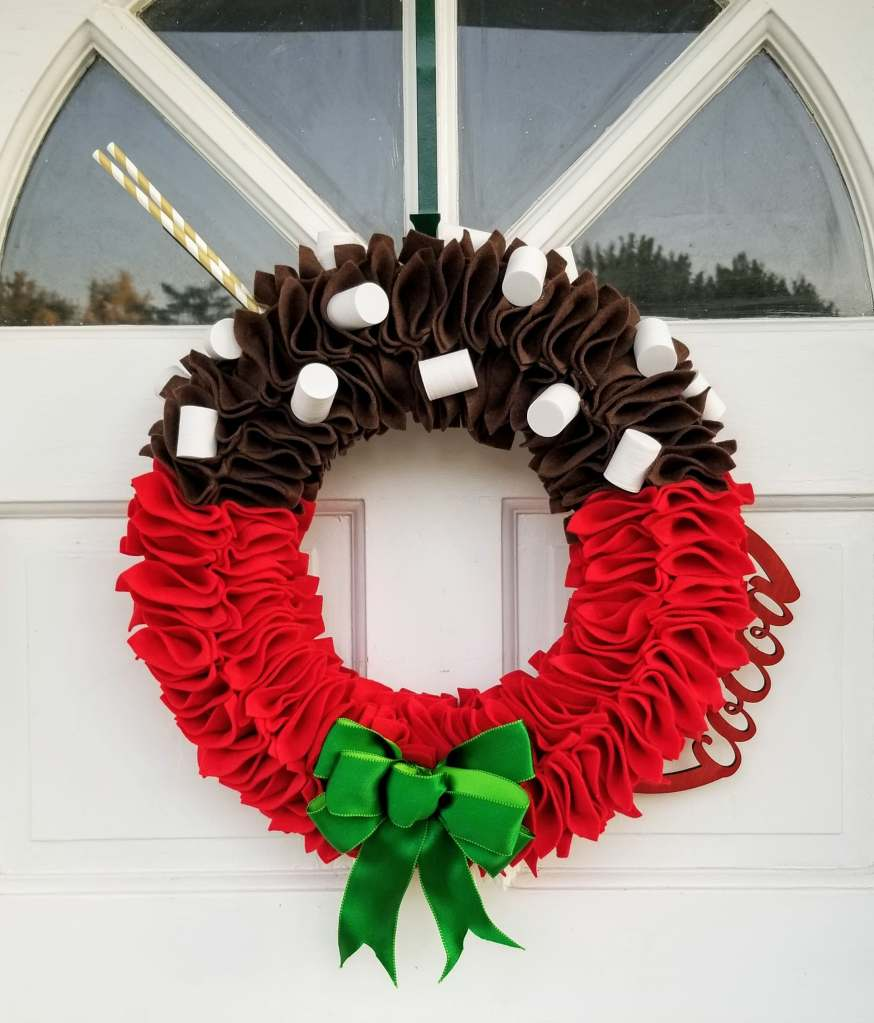 Hot cocoa cup wreath
